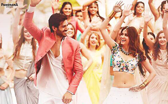 Frankly Tu Sona Nachdi Song From Guest Iin London